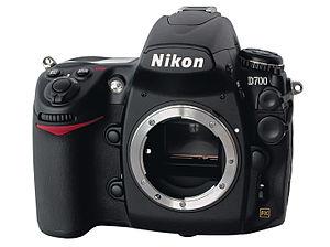 English: Nikon D700, body front view Deutsch: ...