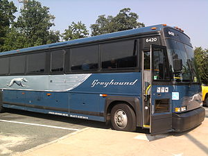 English: Greyhound bus stopping at a rest area