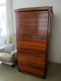 Um acumulador de orgônio com a porta fechada