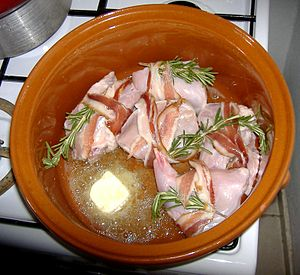 rosolatura del coniglio; browning the rabbit; ...