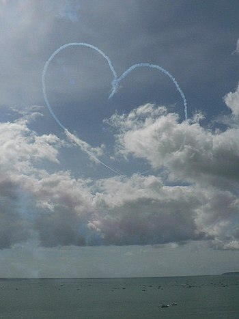English: The Red Arrows visit Bournemouth: big...