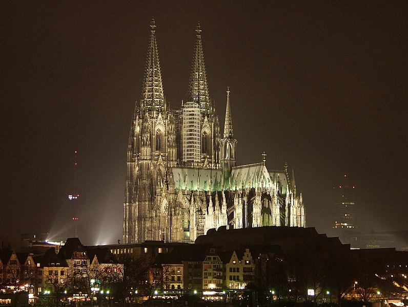 Datei:Koelner Dom bei Nacht 2.jpg