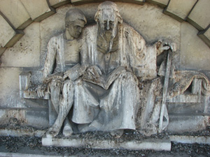 photo of Relief Statue on front wall of Strand...