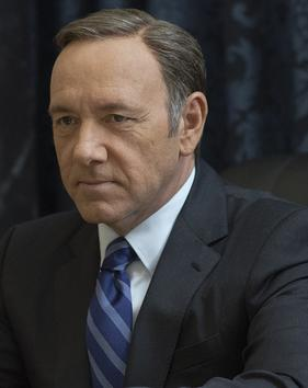 https://i2.wp.com/upload.wikimedia.org/wikipedia/en/a/a9/Frank_Underwood_-_House_of_Cards.jpg