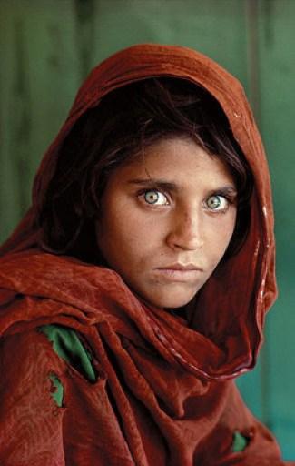 """Steve McCurry's """"Afghan Girl"""""""