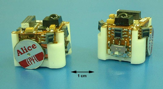File:The Alice microrobot.jpg