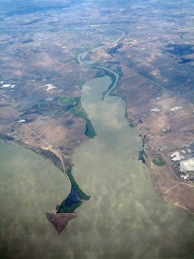 File:River Murray meets Lake Alexandrina at Pomanda Island ...