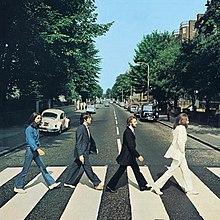 Beatles album hoes foto uit 1969 gemaakt op het nu meest beroemde zebrapad ter wereld