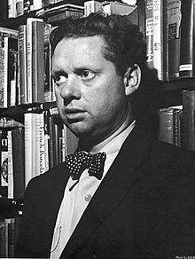 Dylan Thomas   Wikipedia A black and white photo of Thomas in a book shop  he is wearing a