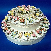 Favor Cake with 40 carton boxes and porcelain ...