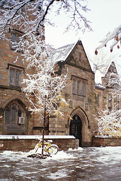 Jonathan Edwards College, Yale.