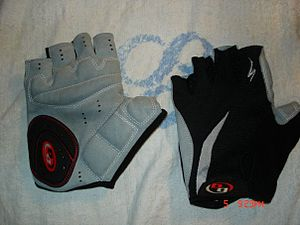 A pair of fingerless cycling gloves. Model: Sp...