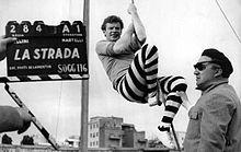 220px Federico fellini e richard basehart sul set de la strada1 - Fellini
