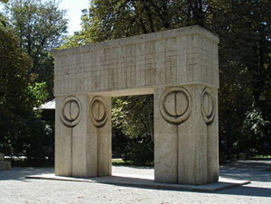 Poarta sărutului, opera lui Constantin Brâncuși de la Târgu Jiu