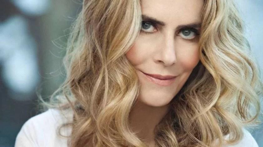 Close up of Maitê Proença's face