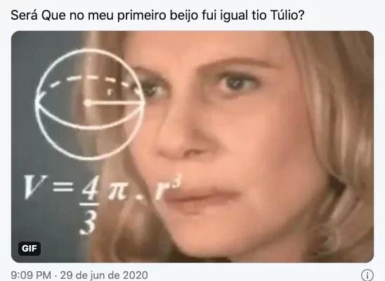 Video Tulio Maravilha E Esposa Trocam Beijao De Lingua E