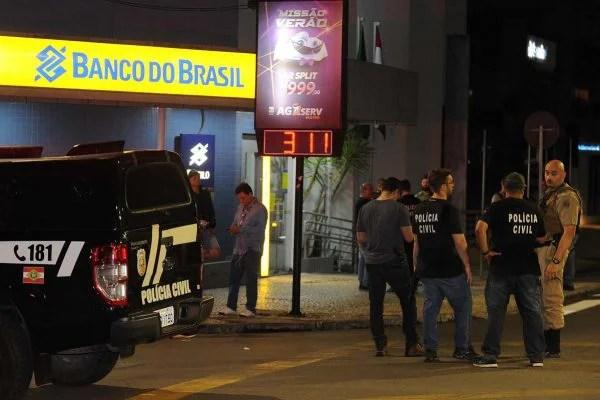 Em Criciúma (SC), bandidos usaram arma capaz de derrubar aeronaves
