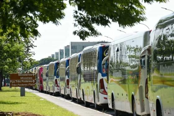 Fretadores de ônibus protestam em Brasília 1