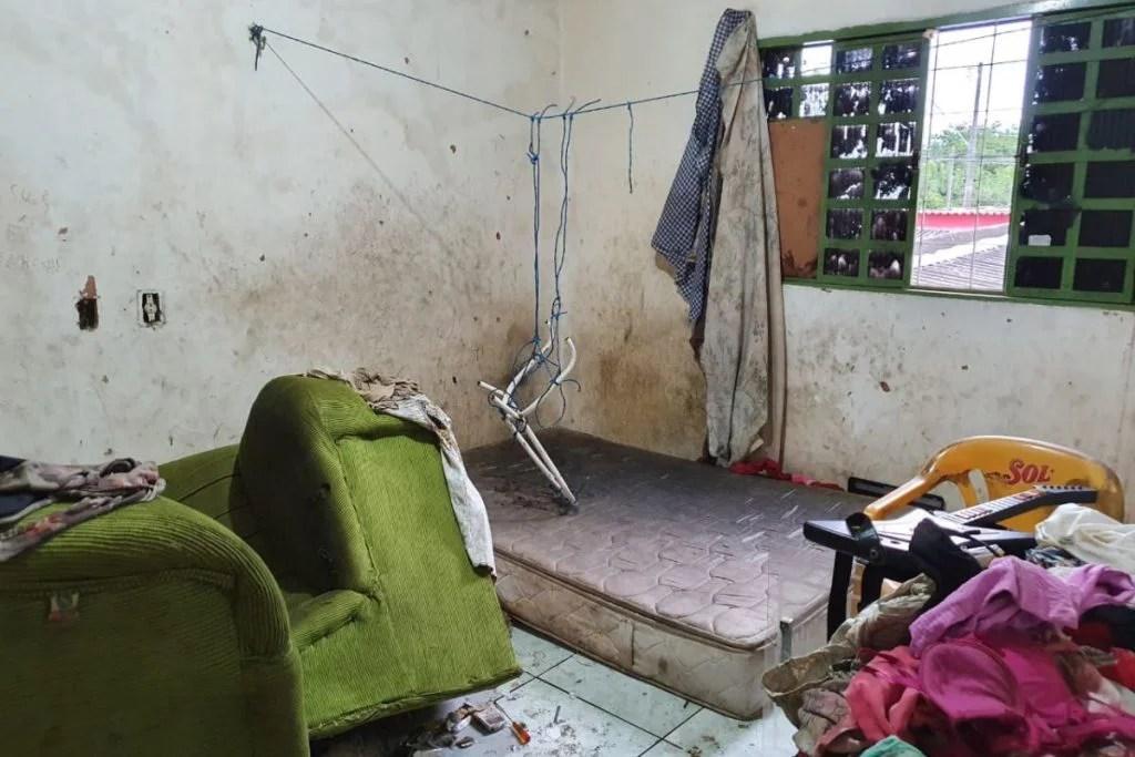 cama e cadeira
