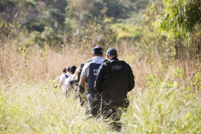 Corpo da Cleonice encontrado no incra 9 vitima do Lázaro Barbosa policiais procuram o maniaco do goiás crime assassino 39