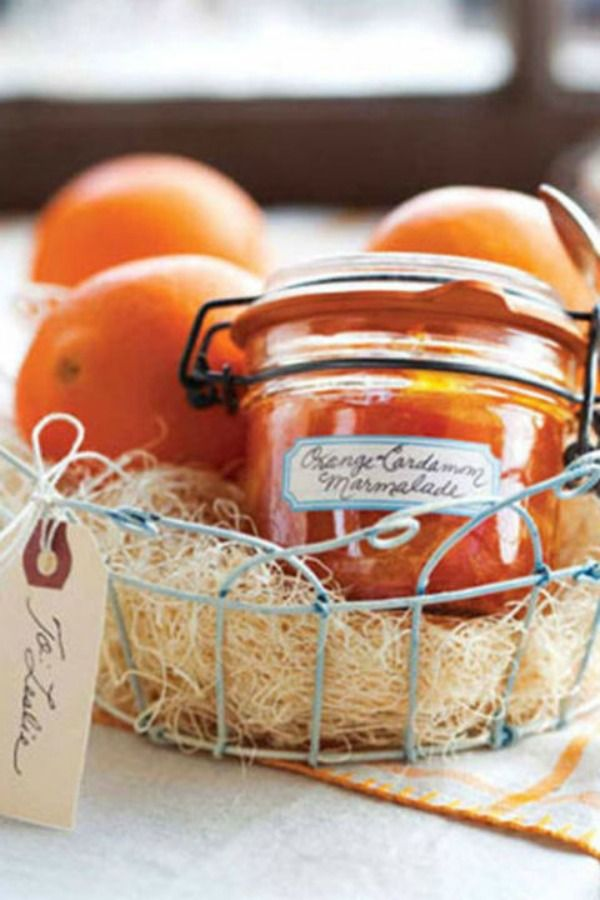 Great Ideas For DIY Holiday Gift Baskets Neatorama