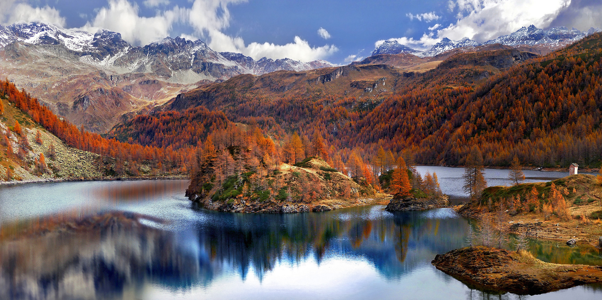 Most Breathtaking Pictures Of Lakes From Around The World