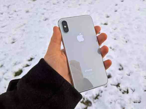 iPhone X takapuoli
