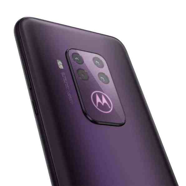 motorola-one-zoom-2