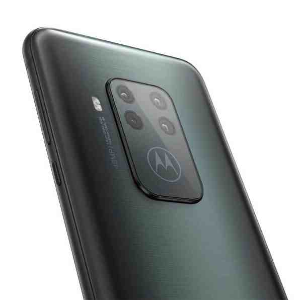 motorola-one-zoom-4