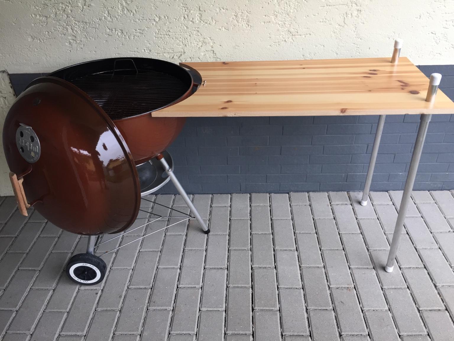 Weber Smokey Joe Table.Weber Smokey Joe Grill Table
