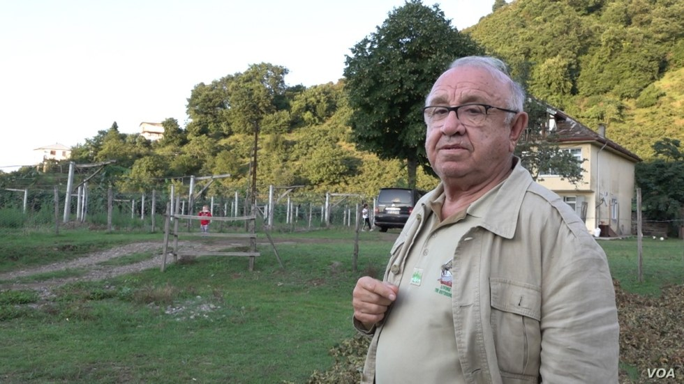 Kadir Engin, head of Industrialist and Businessmen Association, says the local hazelnut industry needs to modernize to break out of the current economic hardship. (D. Jones/VOA)