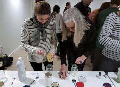 Atelier de confection de produits cosmétiques