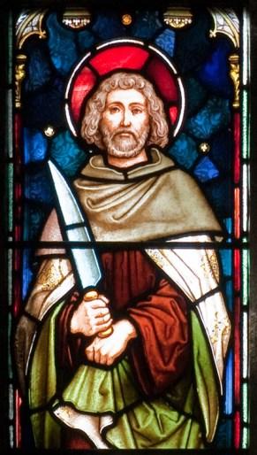Enniscorthy_St._Aidan's_Cathedral_West_Aisle_Third_Window_Apostle_Bartholomew_Detail_2009_09_28