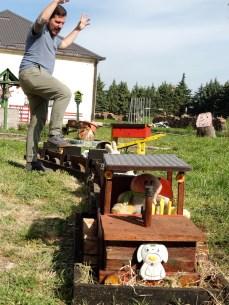 Giant Kyle attacks toy train!