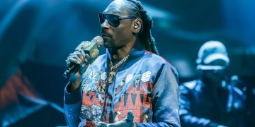 Snoop Dogg Questioned Ari Lennoxs Choice To Wear A Wig And Fans Are Not Having It