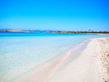 Illetes Beach, Formentera. Credits: askbeach.com
