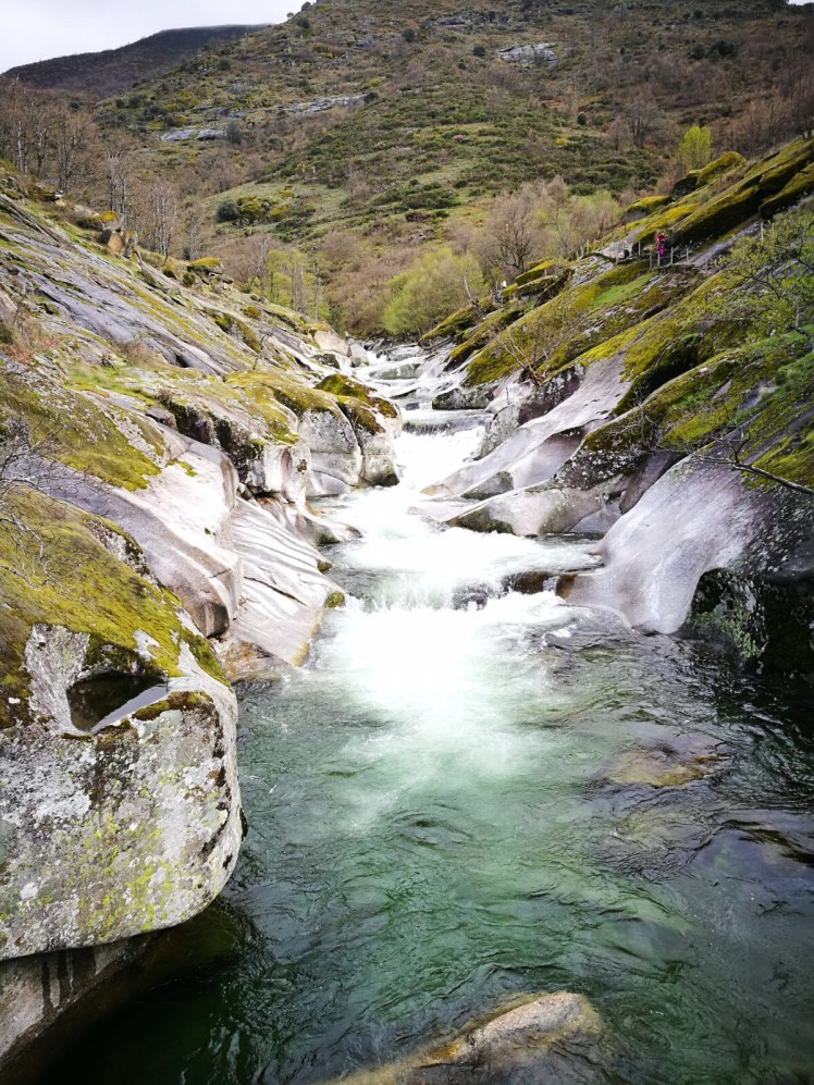 spring in extremadura - garganta de los infiernos natural swimming pools