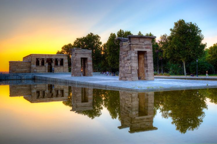 temple of Debod sunset, madrid in one day