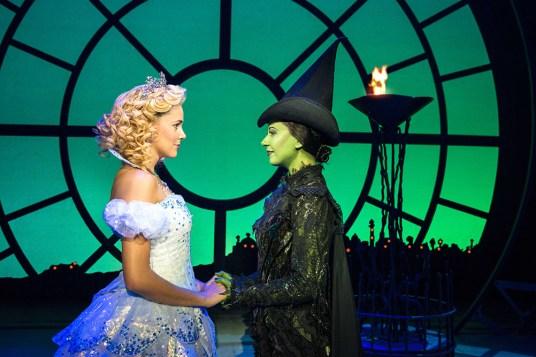 Emily Tierney as Glinda & Ashleigh Gray as Elphaba. ©Matt Crockett
