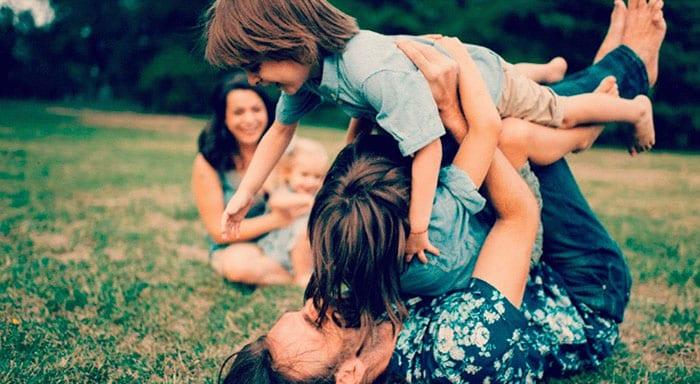 Valorizo as amizades mas escolho passar mais tempo com a família