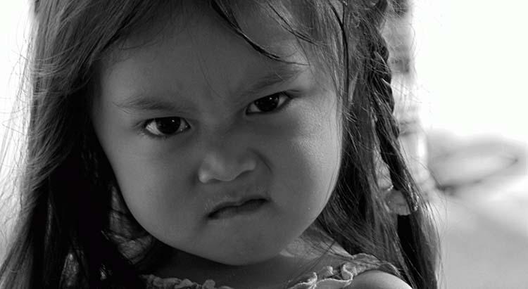 11 formas de acalmar uma criança zangada