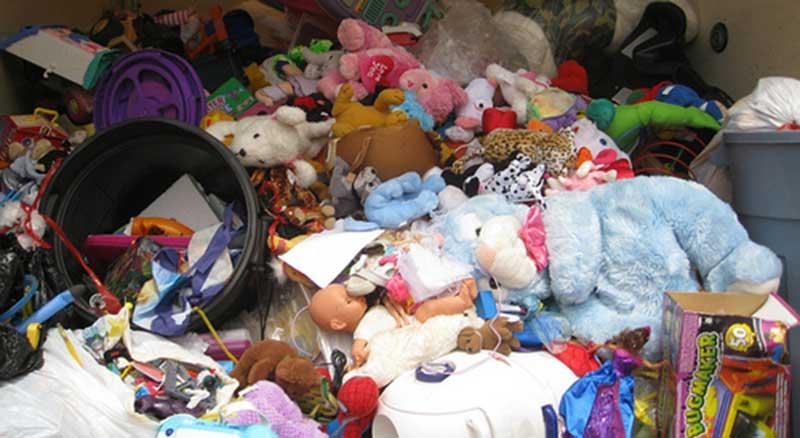 Não basta ensinar os nossos filhos a reciclar, é necessário educar para a consciencializaçãoambiental. Educar para o 'não consumismo', para o desapego