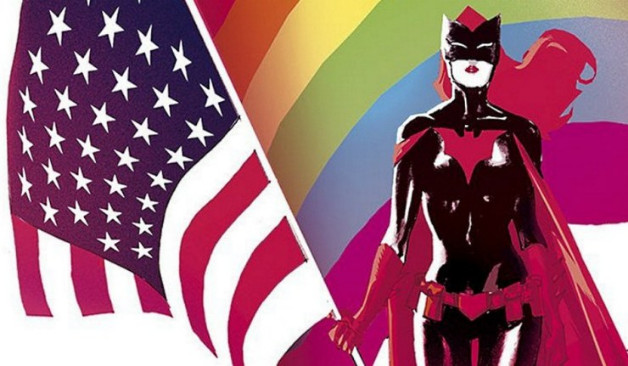 Batwoman-Love-is-Love-Rainbow-flag