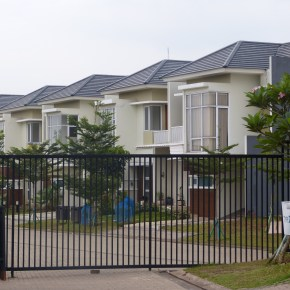 New article in Housing Studies on gated communities and inequality in Indonesia, by Sonia Roitman