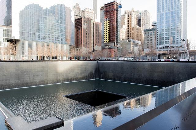 memorial-863327_640