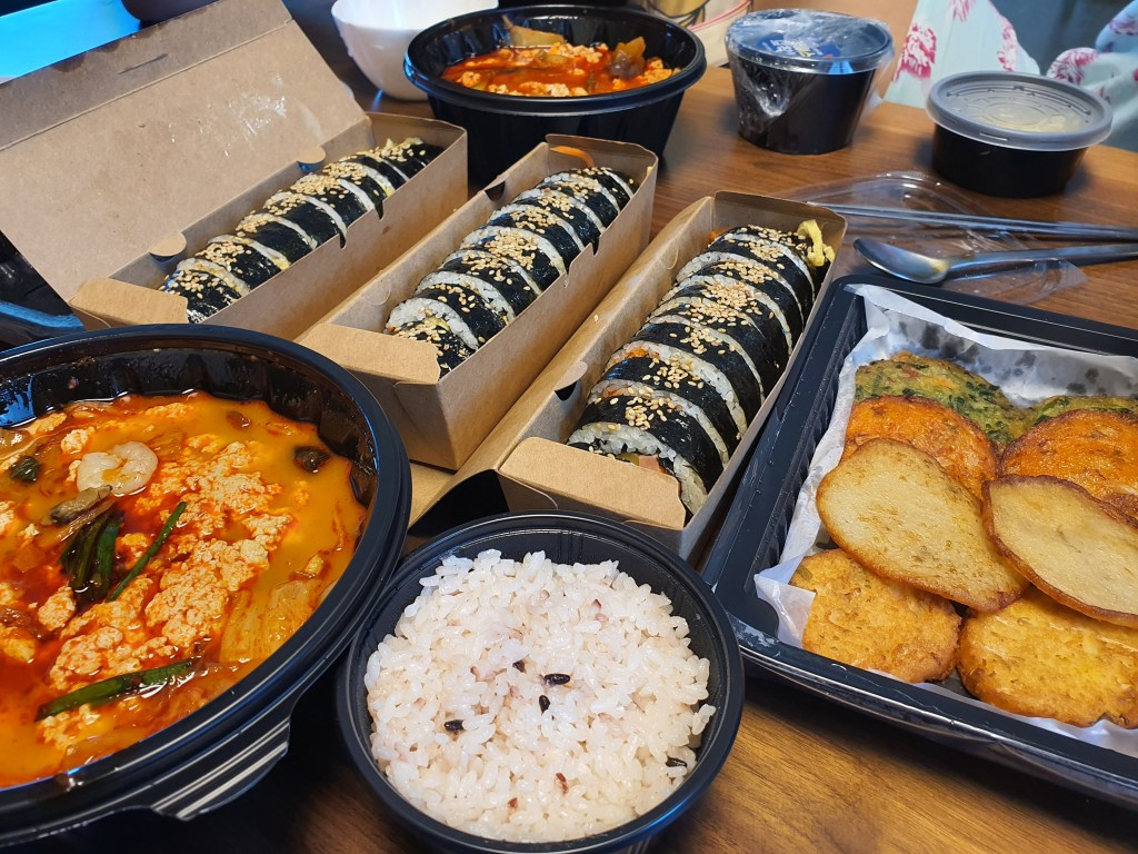 김밥과 순두부