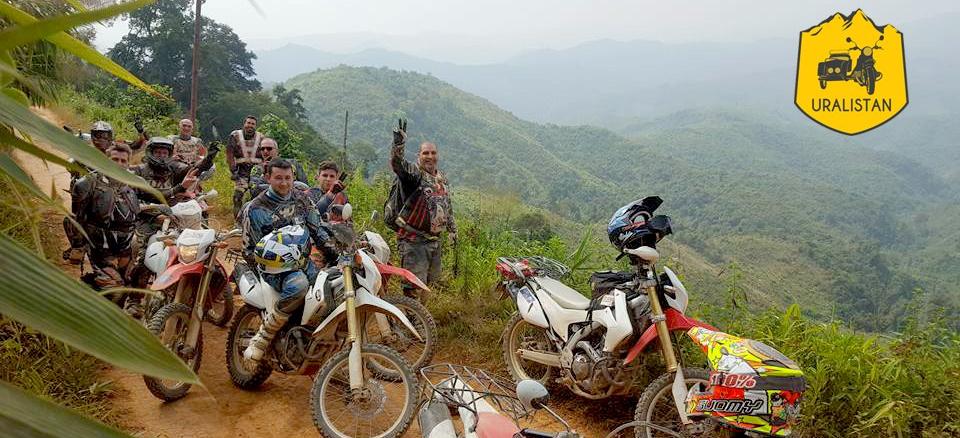 Voyage moto au Laos, groupe de motard passionné