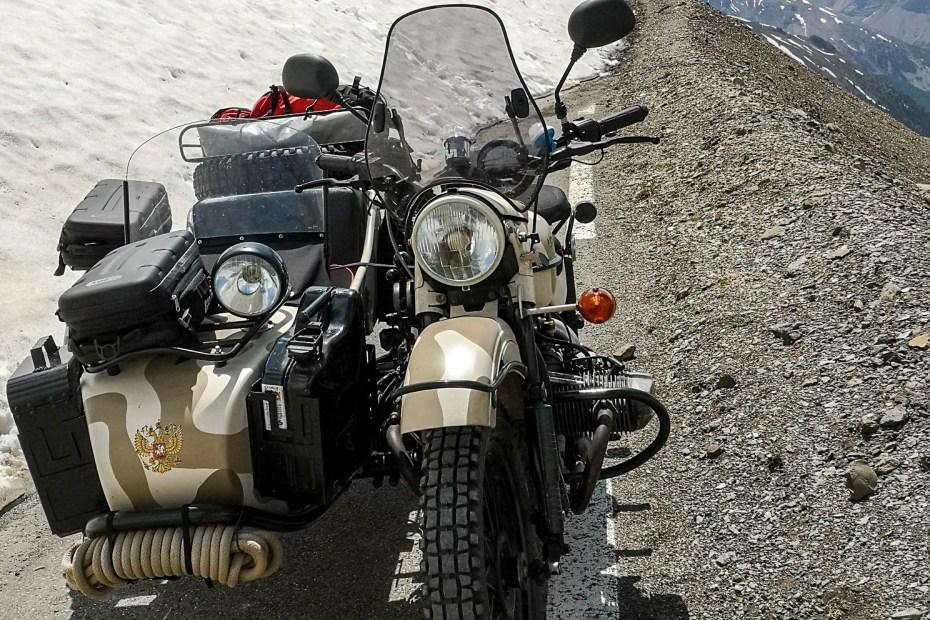 Side car Ural - Uralistan, voyage roadtrip en sidecar à travers l'Europe et l'Asie