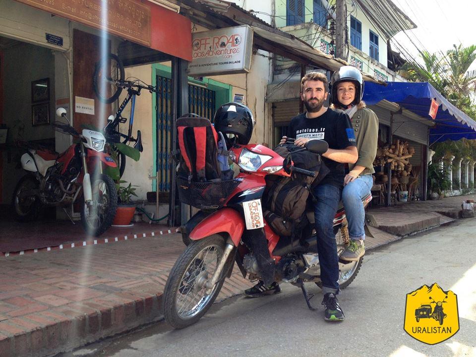 Road-trip moto au Laos, départ de Luang Prabang