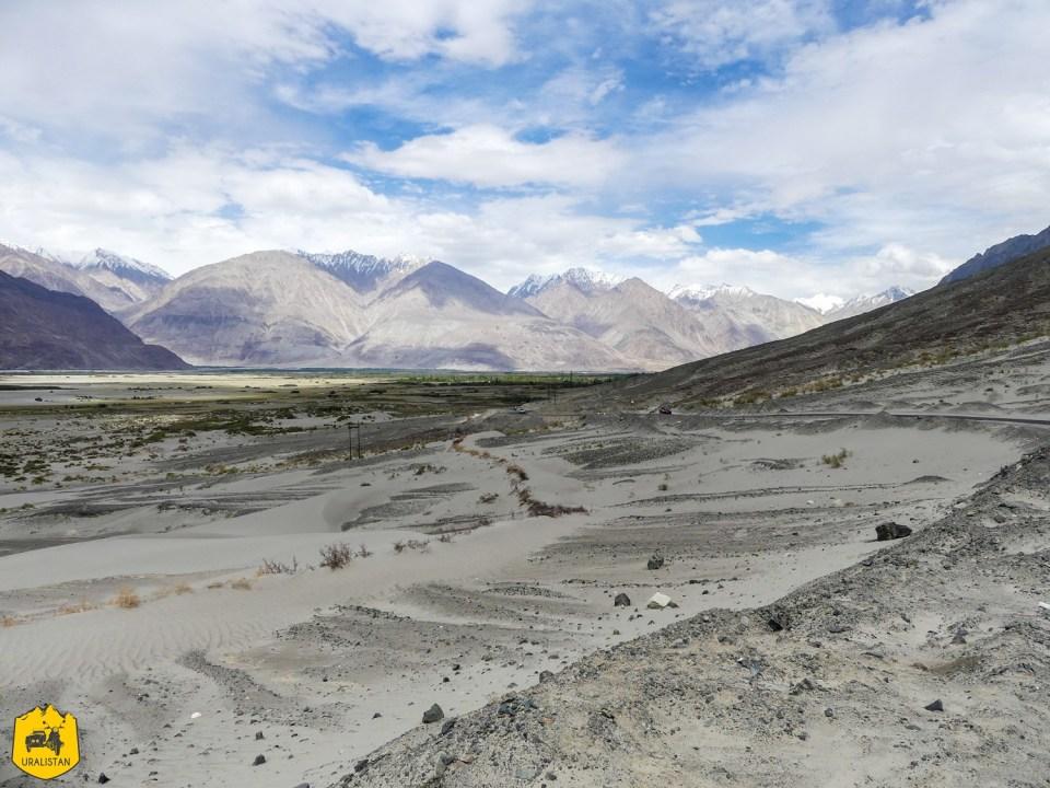 Vallée de la Nubra à moto, le Ladakh en Royal Enfield